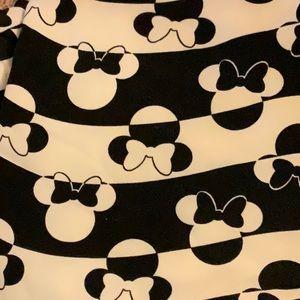 Lularoe Retired Disney Minnie bows swirl os blk wh